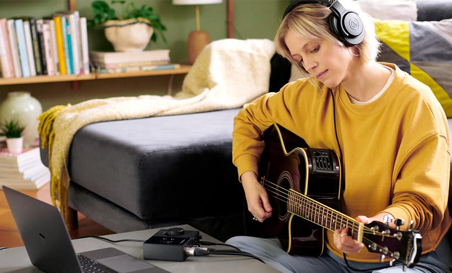 کارت صدا نیتیو اینسرومنت Native Instruments Komplete Audio 2 | خرید کارت صدا نیتیو اینسرومنت | Komplete Audio 2 | خرید کارت صدا استودیویی | خرید کارت صدا