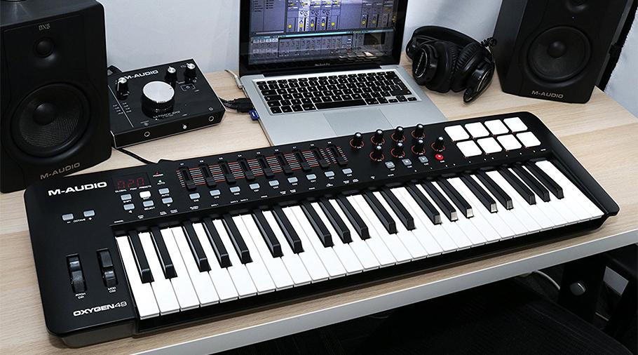 میدی کنترلر M-Audio Oxygen 49 New   میدی کنترلر   خرید میدی کنترلر   خرید و فروش انوع میدی کنترلر نو و کارکرده   خرید میدی کنترلر M-Audio