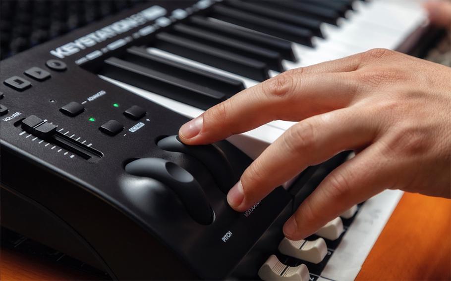 میدی کنترلر M-Audio Keystation 61 MK3 | میدی کنترلر | خرید میدی کنترلر | خرید و فروش انوع میدی کنترلر نو و کارکرده | خرید میدی کنترلر M-Audio