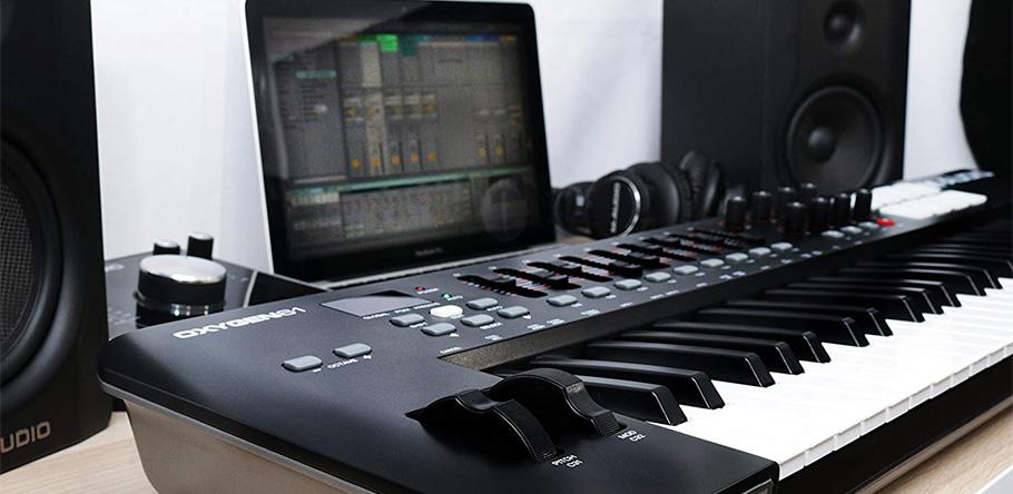 میدی کنترلر M-Audio Oxygen 61 New   میدی کنترلر   خرید میدی کنترلر   خرید و فروش انوع میدی کنترلر نو و کارکرده   خرید میدی کنترلر M-Audio