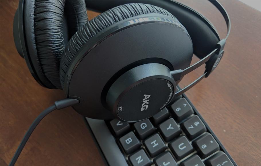 هدفون AKG K52 | خرید هدفون مانیتورینگ ای کی جی AKG K52 | خرید و فروش محصولات برند ای کی جی AKG | k52 | خرید هدفون بی سیم | هدفون ارزان | هدفون حرفه ای
